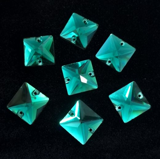 Turquoise square 16mm
